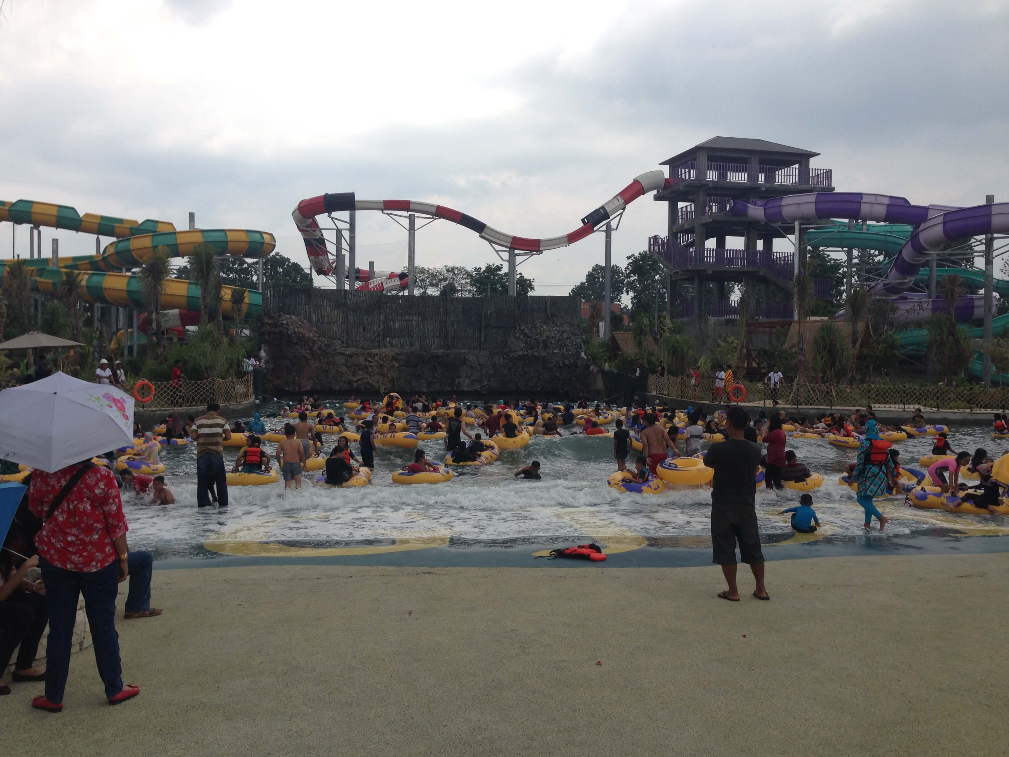 Jogja Bay Pirates Advenure Waterpark, Indonesia, Wave Pool